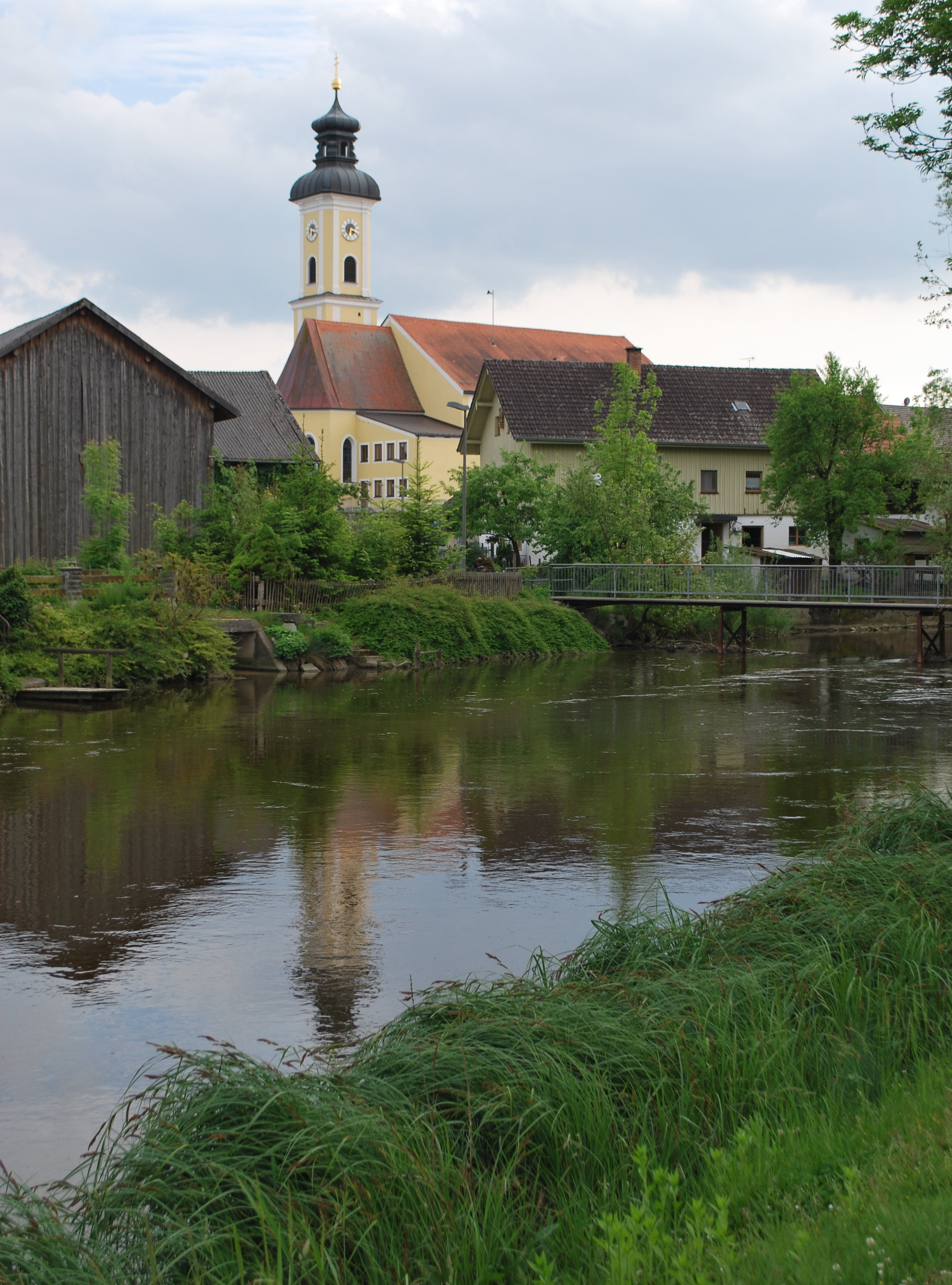 Eichendorf_Pfarrkirche_St_Martin.JPG