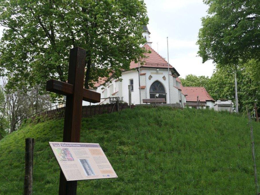 Erolzheim_Weg_zur_Frohbergkapelle.jpg
