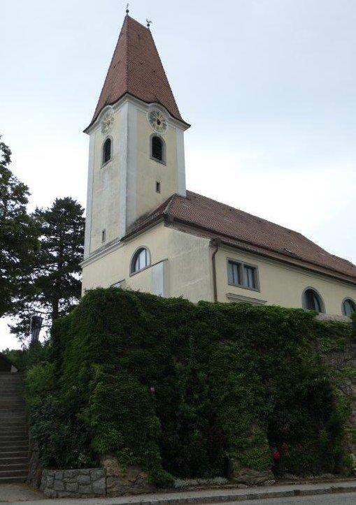 Fels_am_Wagram_Kirche_zur_heiligen_Margaretha.jpg