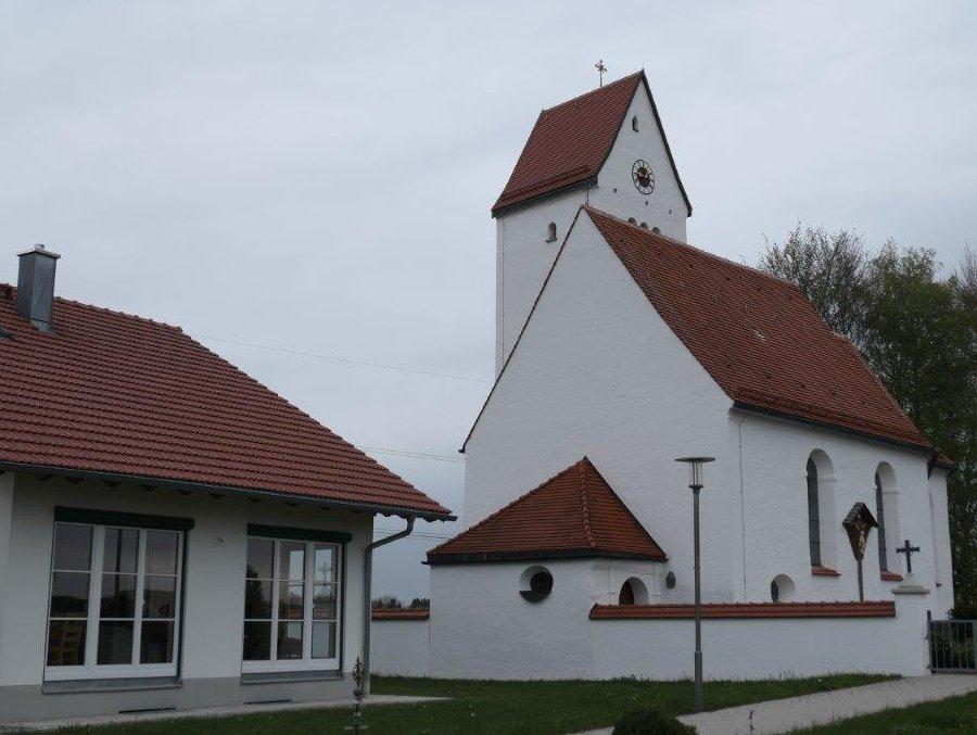 Hattenhofen_Kirche_St.Andreas.jpg