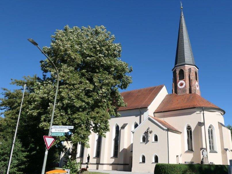 Hirschbach_Martinskirche.jpg