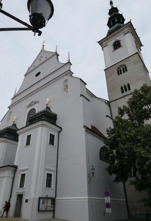 Krems_Pfarrkirche_St.Veit.jpg
