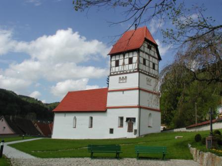 Nusplingen_Friedhofskirche.jpg
