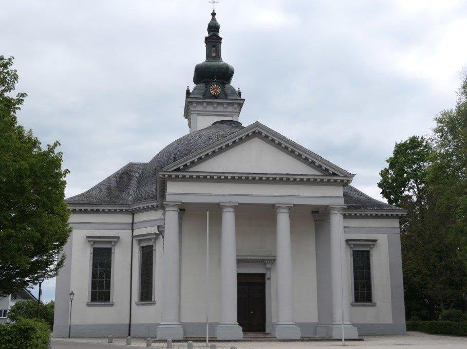 Oberdischingen_Pfarrkirche_zum_Hl._Namen_Jesu.jpg