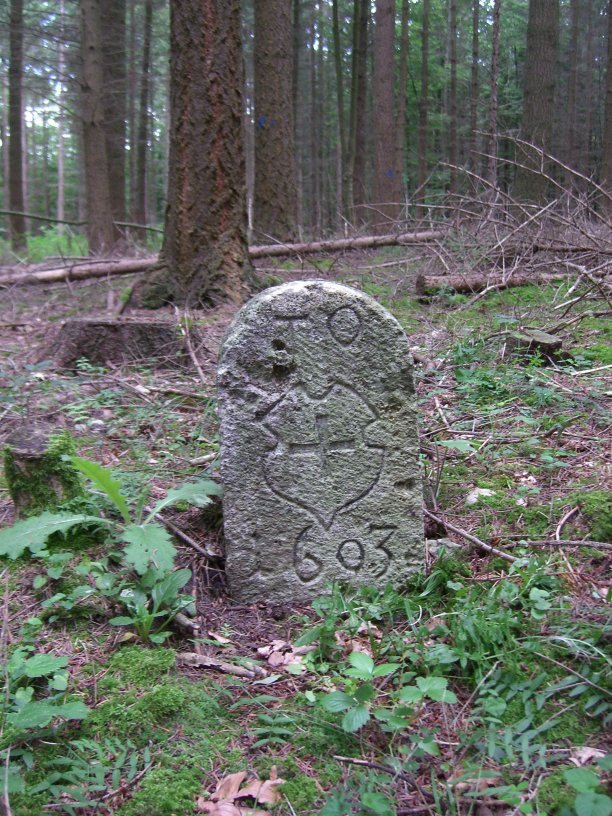 RWN1_historische_Grenzsteine.JPG