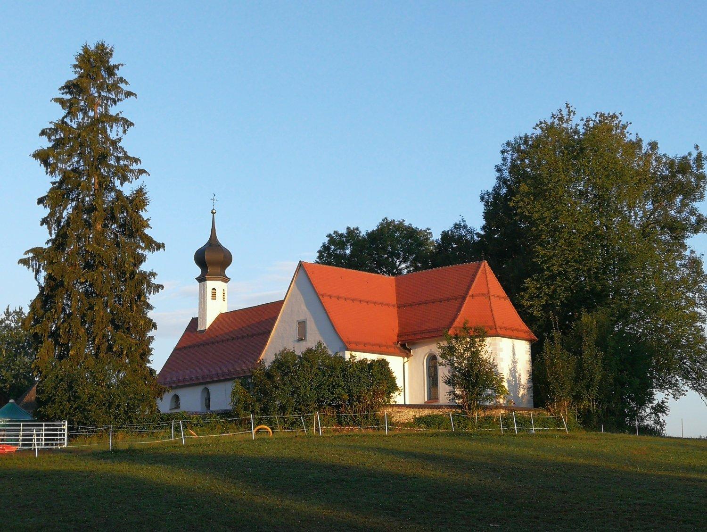 Roetsee_Kirche.jpg