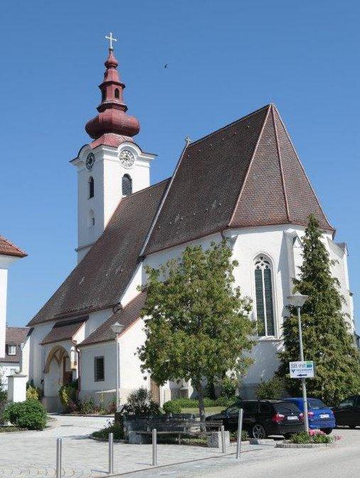 St._Pantaleon_Kirche.jpg