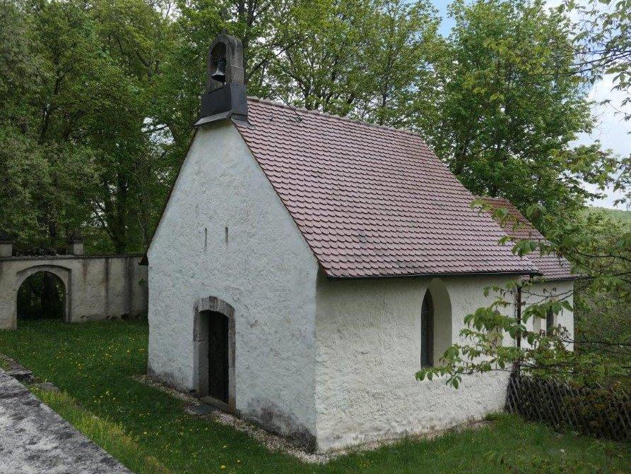 Trochtelfingen_Hennensteinkapelle.jpg