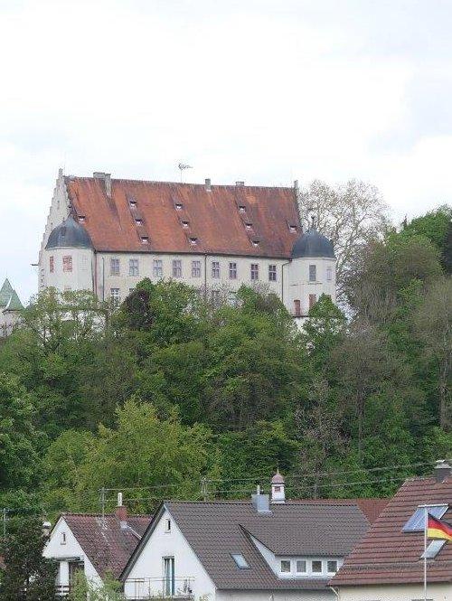 Warthausen_Blick_auf_den_Ort.jpg