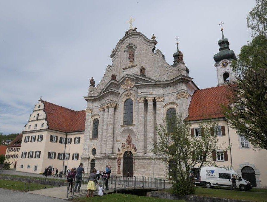 Zwiefalten_Kloster_und_Kirche.jpg